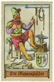 Sammelbild: ein Riemer auf seinem Hocker sitzend und einen Gurt lang ziehend