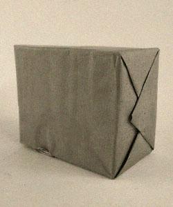 sw Foto: Streichholzschachteln zu Paket verpackt