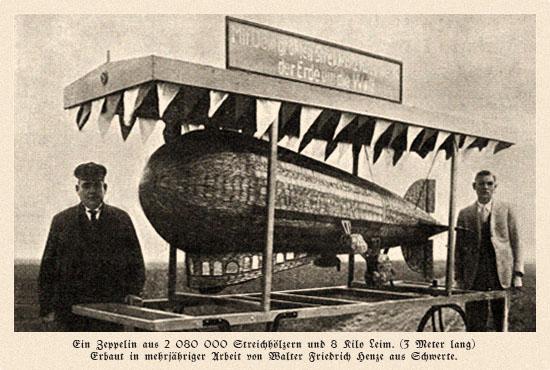 sw Fotokarte: Zeppelin aus 2 080 000 Streichhölzern ~ 1920