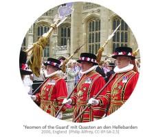 Farbfoto: Britische Hofgarde mit Quasten an Hellebarden - 2006, GB