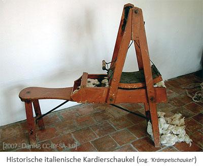 Farbfoto: Hist. Kardierschaukel (sog. 'Krämpelschaukel') - 2007, IT