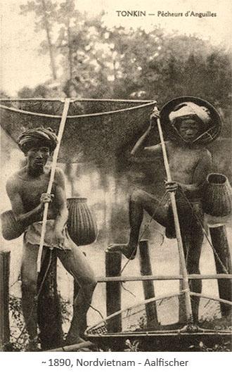 sw Fotopostkarte: Aalfischer mit Fankörben und Aalglippen ~1890, Nordvietnam