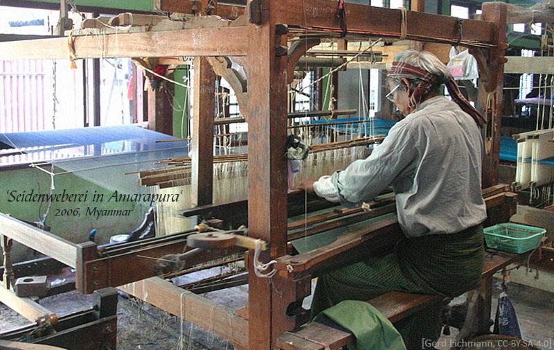 Farbfoto: an Seidenwebstuhl arbeitende Frau - 2006, Myanmar