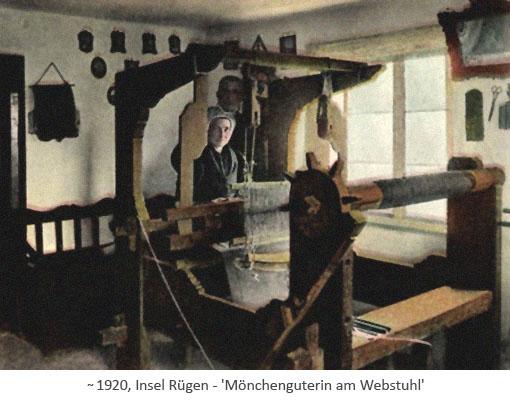 kolorierte Postkarte: Frau aus Mönchgut am Webstuhl ~1920, Rügen