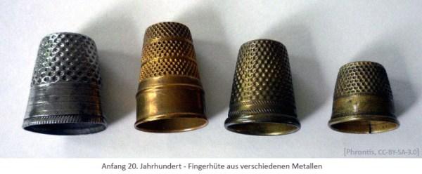 Farbfoto: Fingerhüte aus verschiedenen Metallen - Anf. 20. Jh