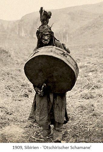 sw Foto: Otschirischer Schamane mit großer Trommel - 1909, Sibirien