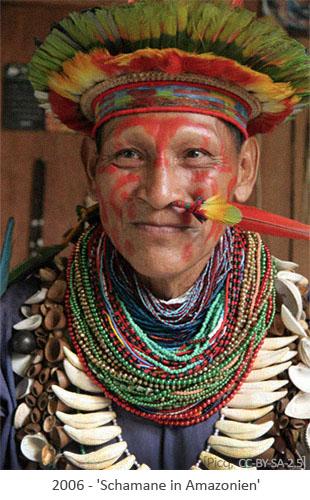 Farbfoto: Schamane in Amazonien - 2006