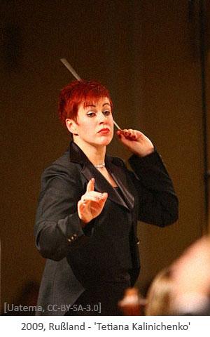 Farbfoto: Dirigentin Tetiana Kalinichenko - 2009, Rußland