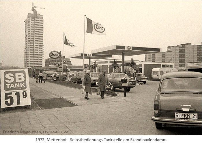 sw Foto: eine der ersten Selbstbedienungs-Tankstellen - 1972, Mettenhof