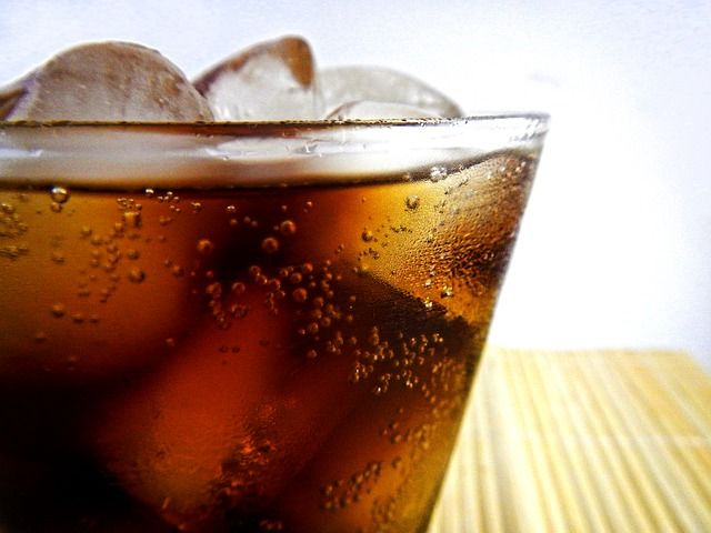 bubbles soda sparkling water physics shake