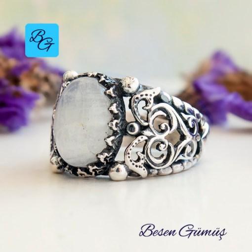 Oval Doğal Ay Taşı Gümüş Yüzük
