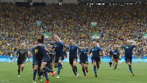 RIO DE JANEIRO, BRAZIL - AUGUST 16:  Sweden celebrate victory in the Women's Football Semi Final between Brazil and Sweden on Day 11 of the Rio 2016 Olympic Games at Maracana Stadium on August 16, 2016 in Rio de Janeiro, Brazil.  (Photo by Buda Mendes/Getty Images)