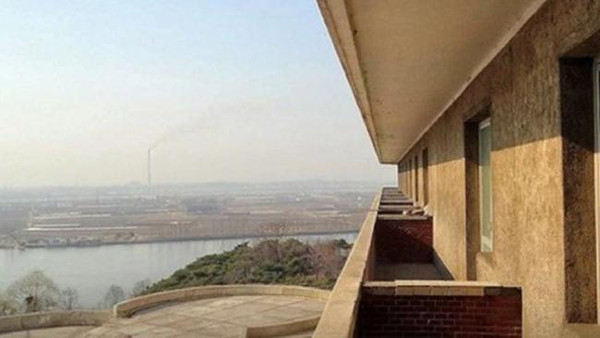 بهذه الطريقة الغريبة يروّج للسياحة في كوريا الشمالية