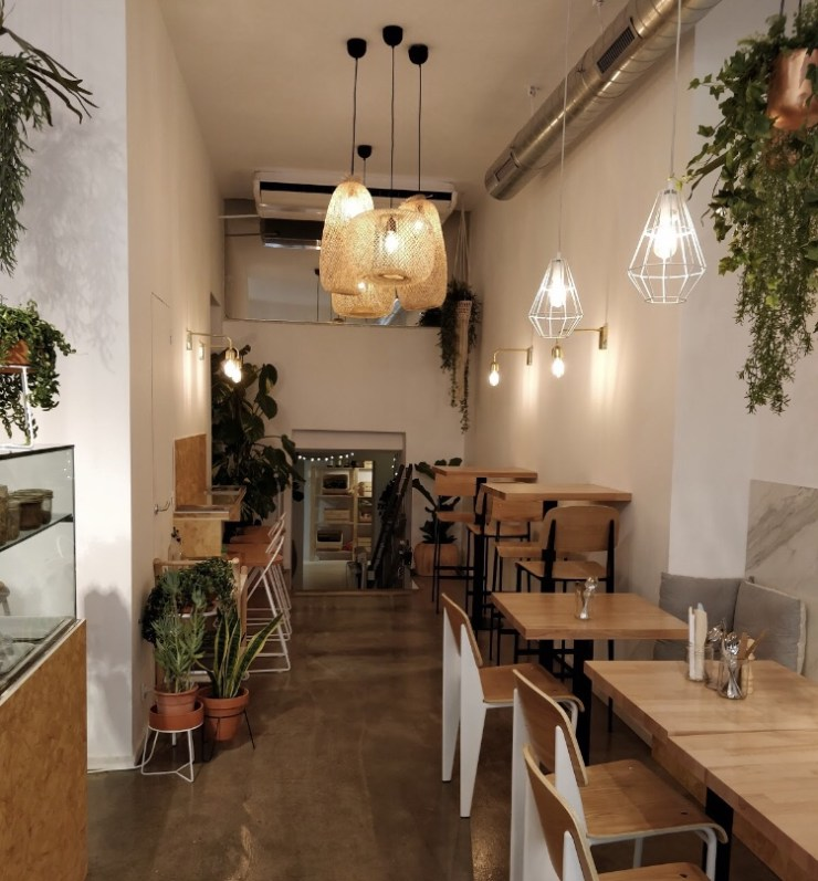 One of the best brunch places in Barcelona is Böl
