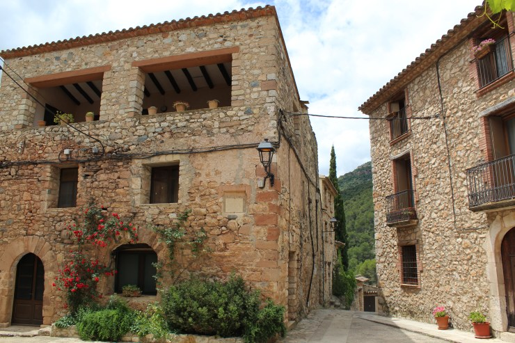 Beautiful stone houses in Farena