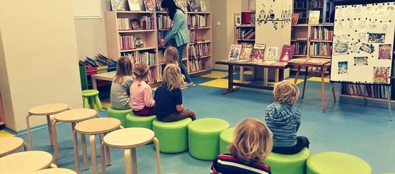 V knihovně
