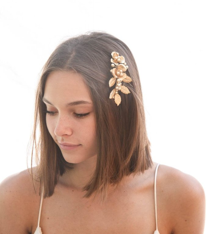 metal leaf and flower comb in gold