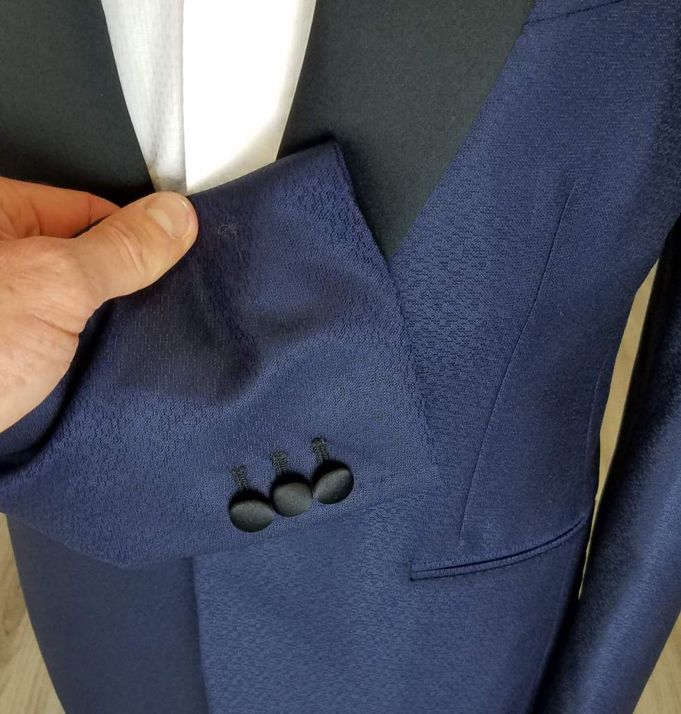 what is a dinner jacket