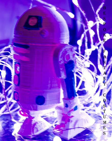 R2D2 in action! Model printed and painted by Bespoke Fantasy Costumes. Photography by Rose-Sky Journey Pieces. Designed 2016, photography 2017.