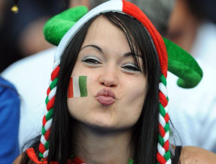les plus belles supportrices de foot  paraguay holland france