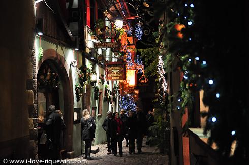 Rue de l'Oriel in Riquewihr, Alsace