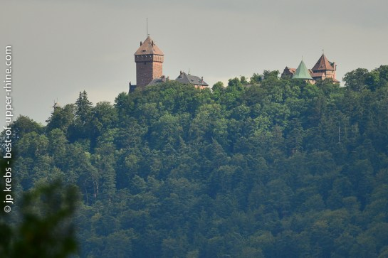 The castle seen from the northern side, as you can see it (with a zoom) from our Mountain Hiker vacation apartment in La Vancelle.