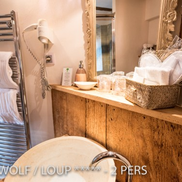 The insuite bathroom of the The Little Wolf, lovely apartment in Riquewihr in Alsace for 2 persons just near the Schœnenbourg vineyard on the Alsace wine route