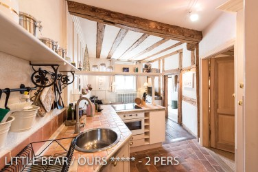 The kitchen of the of the Little Bear, romantic and charming apartment for 2 adults in Riquewihr in Alsace