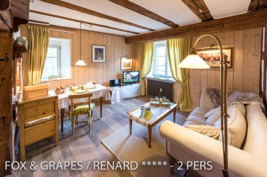The main room of the Fox & Grapes, romantic and charming apartment for 2 adults is located in the medieval heart of Riquewihr in Alsace