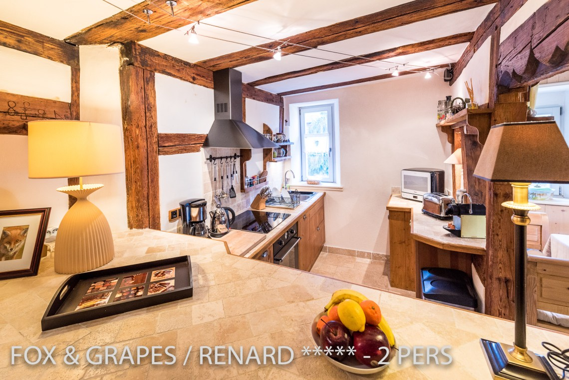 The kitchen of the Fox & Grapes, romantic and charming apartment for 2 adults is located in the medieval heart of Riquewihr in Alsace