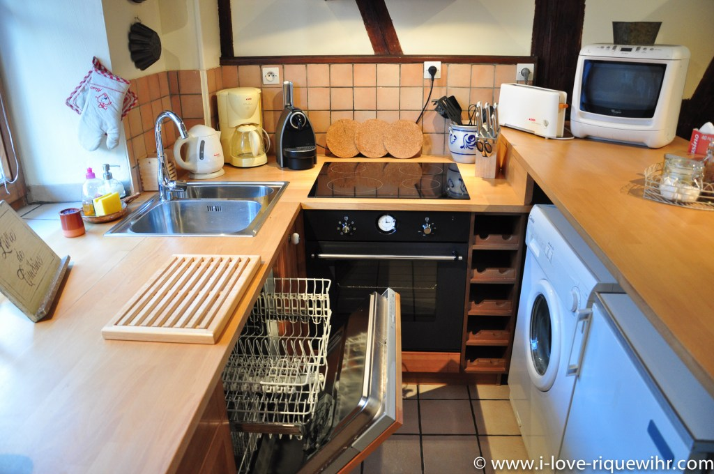 The kitchen of Riesling in Riquewihr, beautiful and charming apartment for 2-4 adults is located in the medieval heart of Riquewihr in Riquewihr Alsace