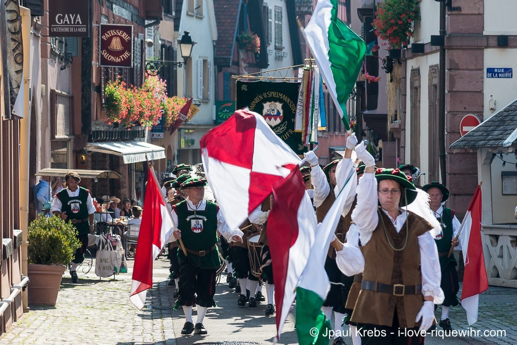 With more than 600 years of existence, the Pfifferdaj Ribeauvillé (feast of the minstrels) is the oldest festival in Alsace.