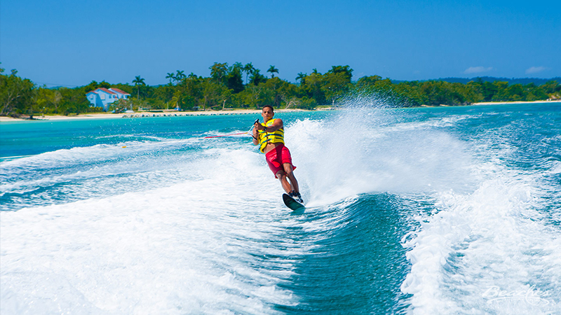 what to do at beaches resorts caribbean vacation waterskiing