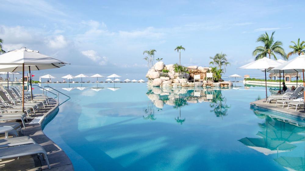 marriott-puerto-vallarta-resort-and-spa-slider-2