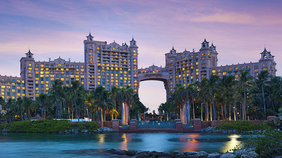 best reasons to stay at atlantis fun things to do bahamas caribbean