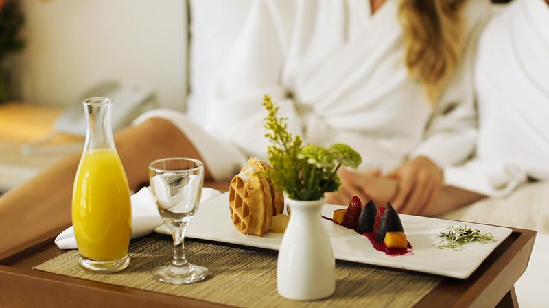 palace-resorts-room-service