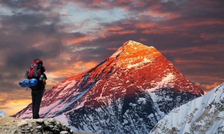 1513782836288 - Why people hear voices when climbing Mount Everest