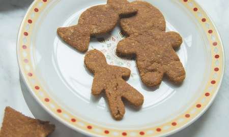 Gingerbread cookies - 4 Dog-Friendly Holiday Recipes That Humans Can Eat, Too