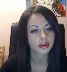 Bombshell brunette webcam model you have to see!