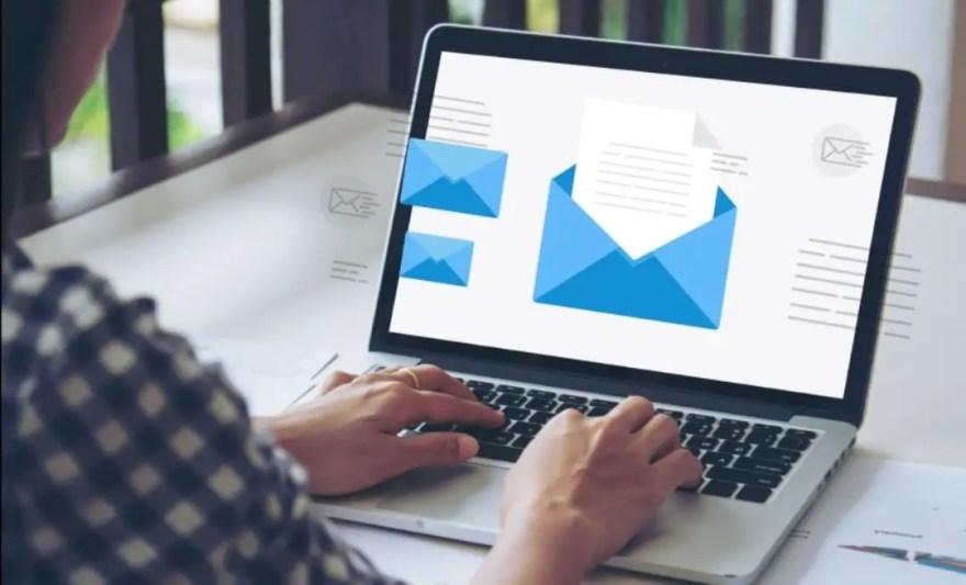MailOptin VS HubSpot (Review & Comparison)