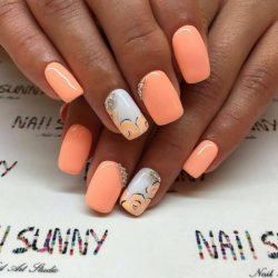 Peach Nails Photo