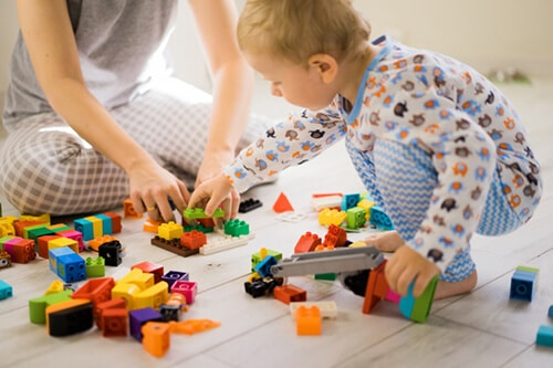 6 Things Your Kids will Gain with Fewer Toys