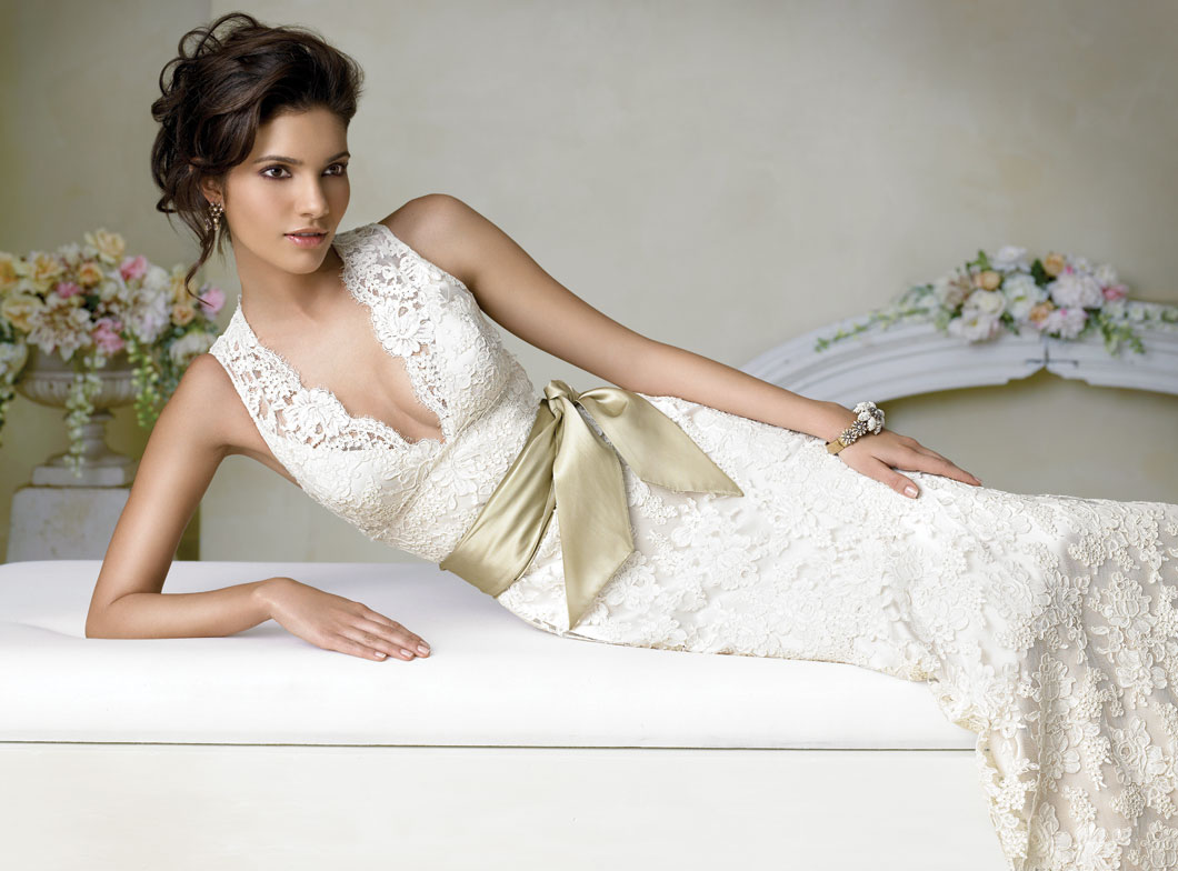 Ten Best Lace Wedding Dress Designers