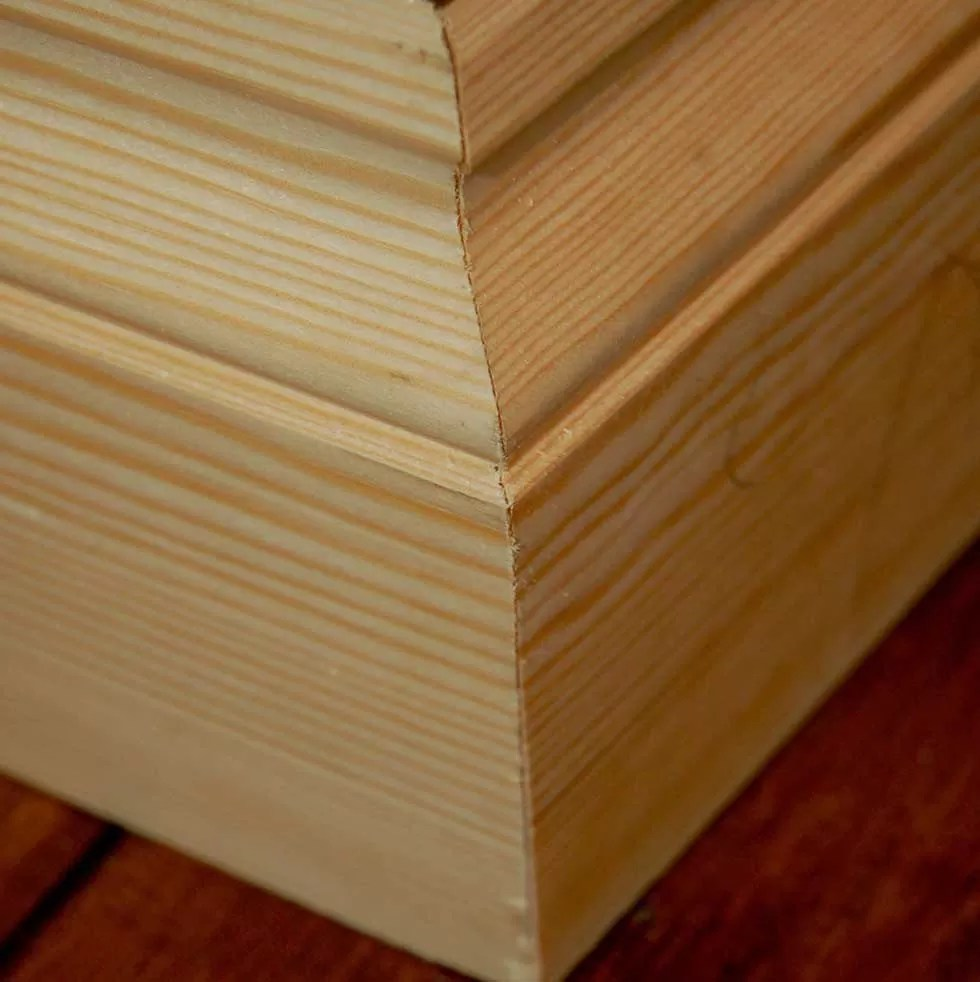 How-To-Fit-Skirting-Boards-Finished-External-Mitre