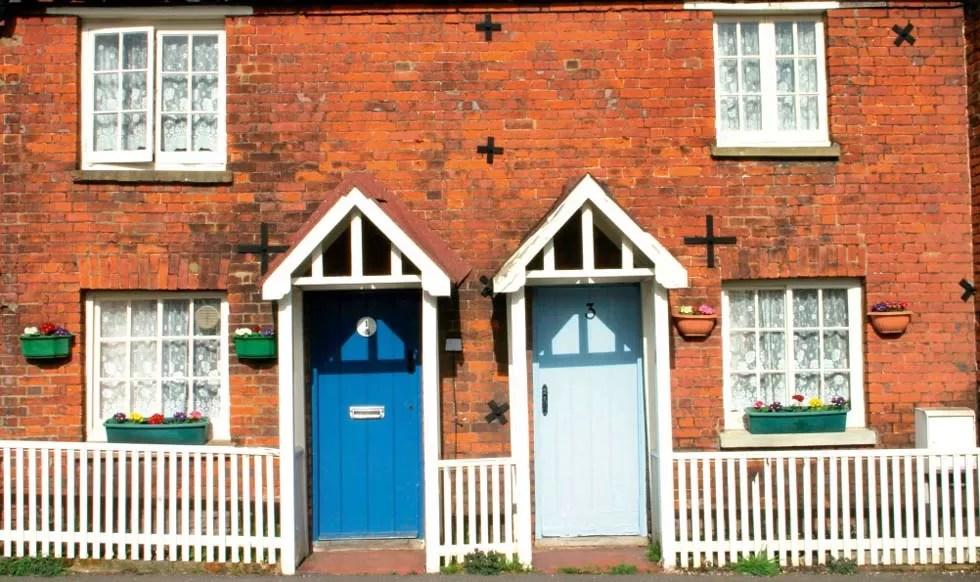 Repairing-Walls-Old-Red-Brick-Terrace