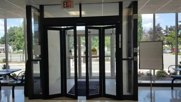 record 4500 series automatic slidefold doors 286