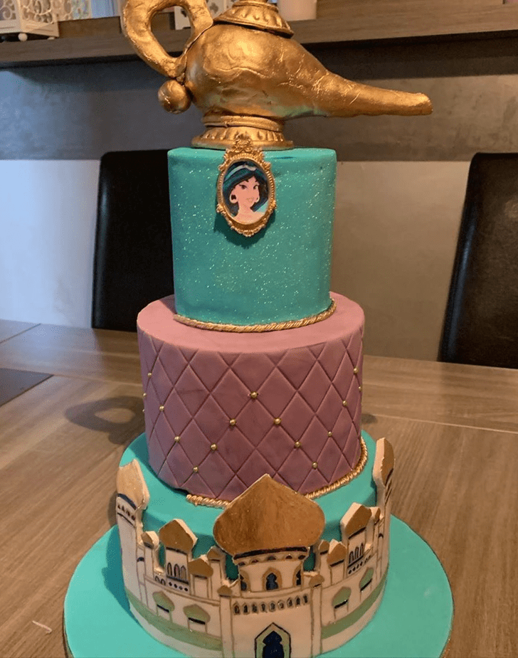 Pleasing Aladdin Cake