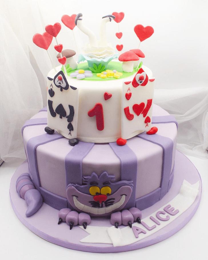 Admirable Alice in Wonderland Cake Design