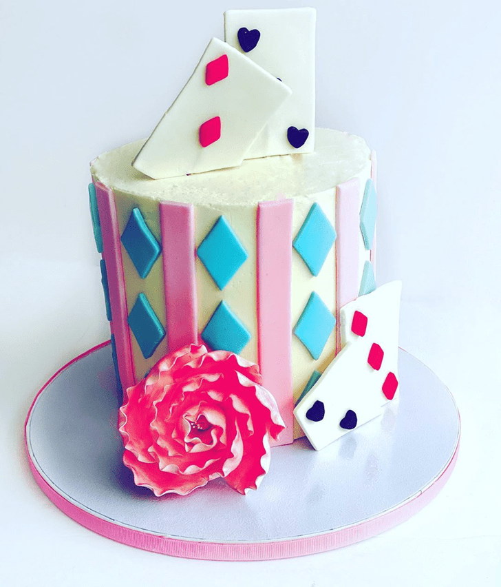 Beauteous Alice in Wonderland Cake