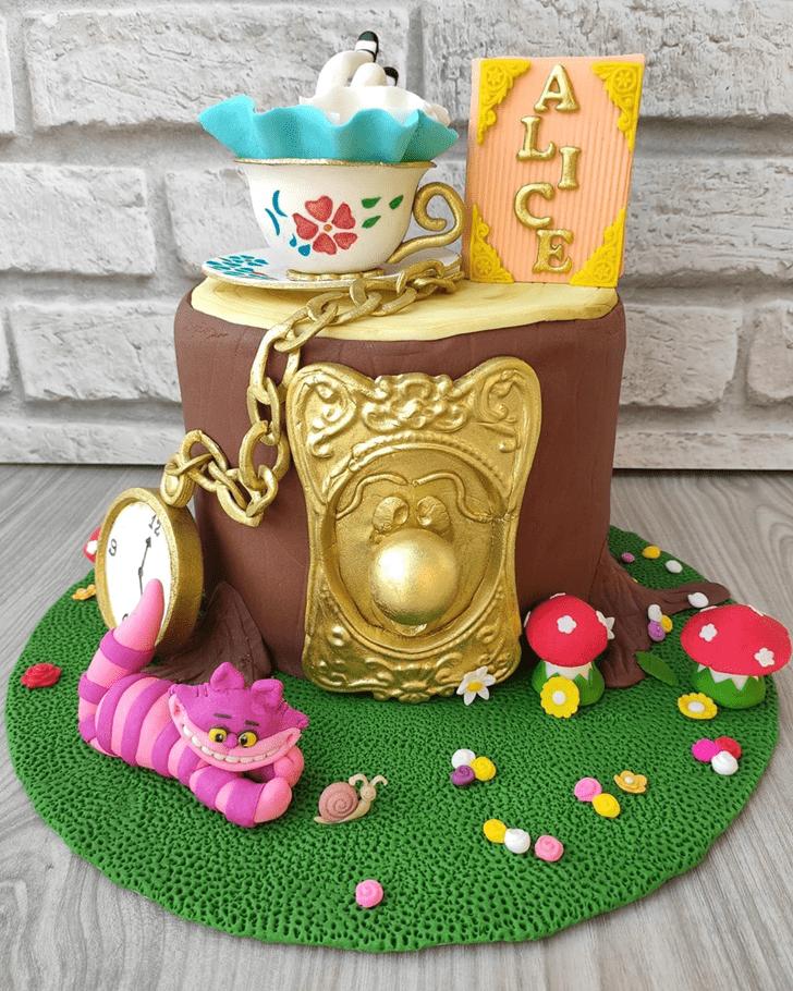 Divine Alice in Wonderland Cake